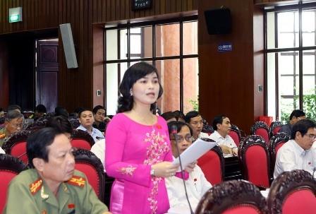 Đại biểu Quốc hội Thành phố Cần Thơ Trần Hồng Thắm phát biểu ý kiến