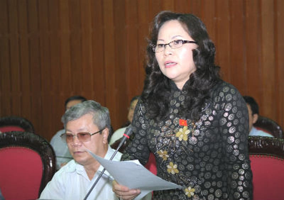 ĐB Ngô Thị Minh (Quảng Ninh) phát biểu tại Hội trường