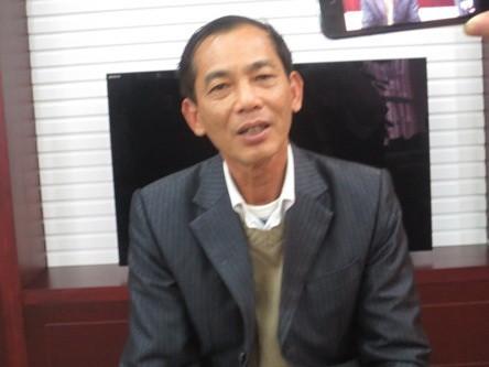 Ông Trịnh Huy Truyền trình bày với phóng viên về việc bỗng dưng bị đưa vào