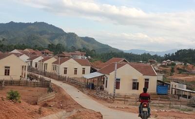 Sau vẻ hào nhoáng của những ngôi nhà mới xây tại khu TĐC là những nỗi lo lắng