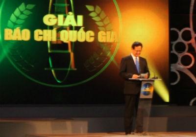 Thủ tướng Nguyễn Tấn Dũng phát biểu trong lễ trao giải báo chí Quốc gia lần thứ VII